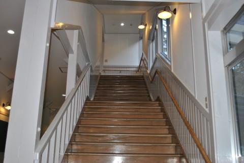 やまびこ荘の階段