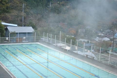 やまびこ荘の温泉プール